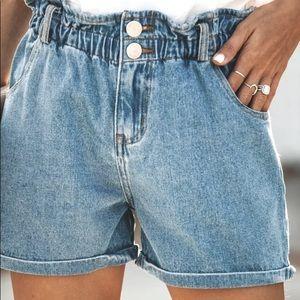 NWOT Highwaisted Denim Shorts